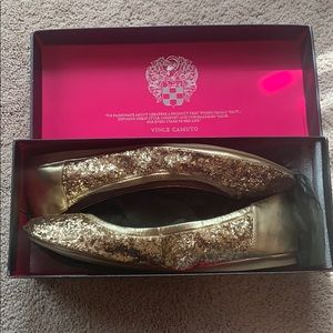 Vince Camuto Flats Gold, size 9.5M